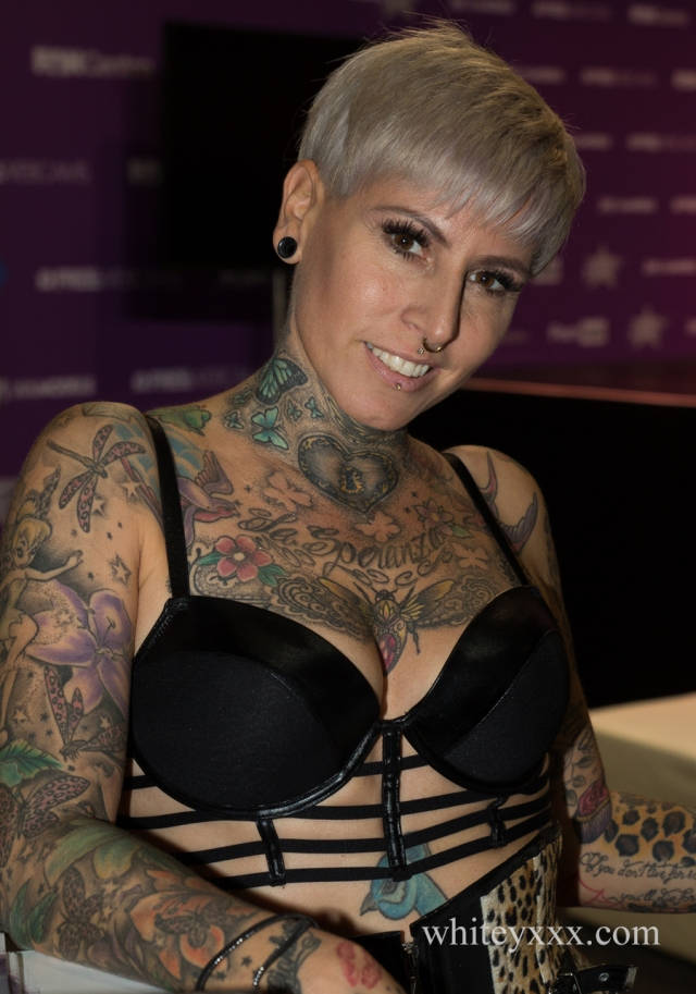 Lady Kinkycat